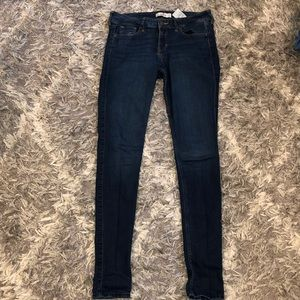 Size 5L Hollister jeggings. Great condition